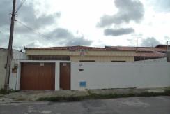 Casa – Rua Gisele, 82 – Cidade dos Funcionários